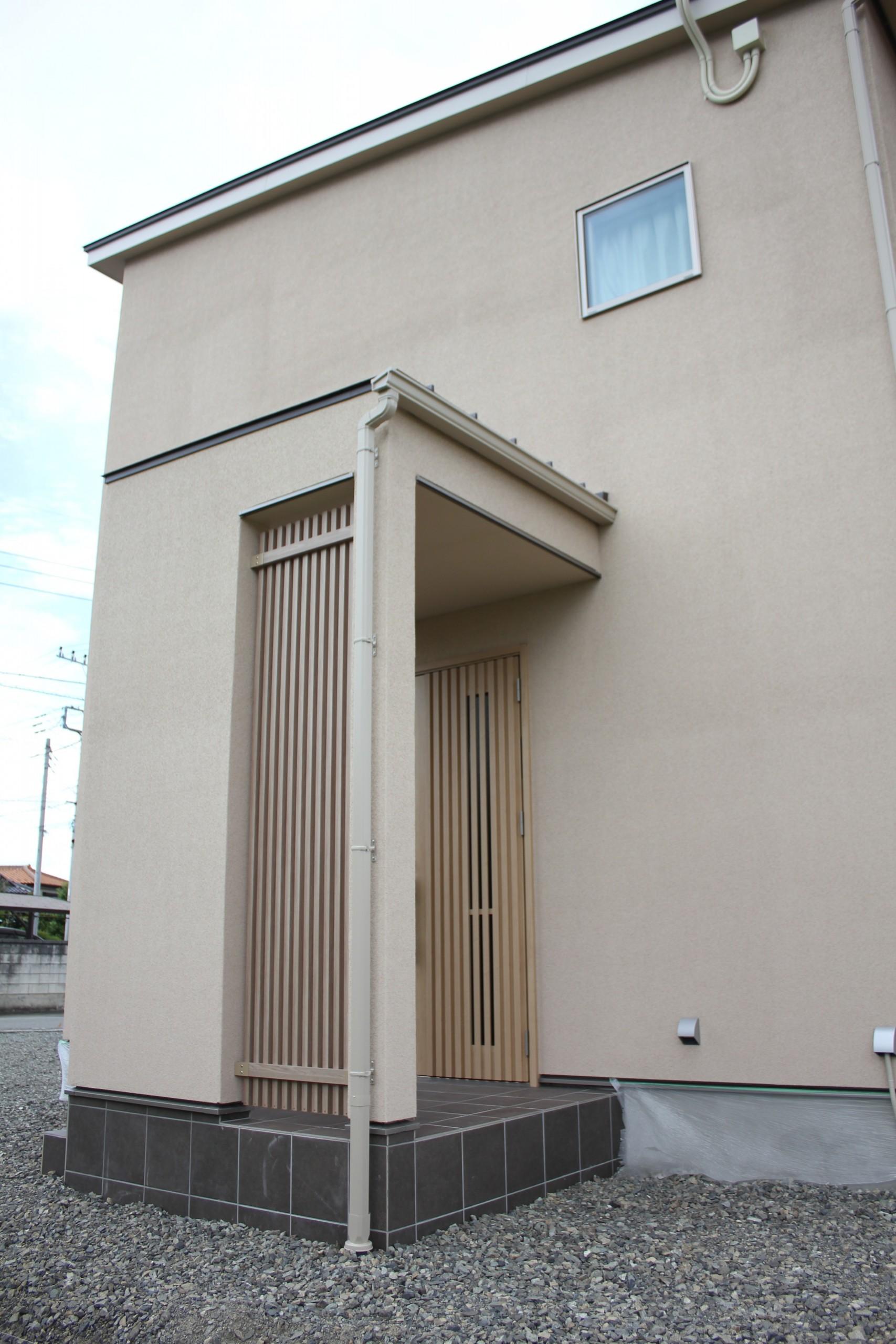 玄関格子ファサード